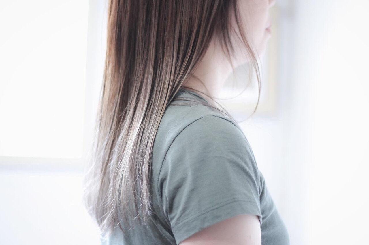 グラデーション シルバーグレー ホワイトシルバー グラデーションカラーヘアスタイルや髪型の写真・画像