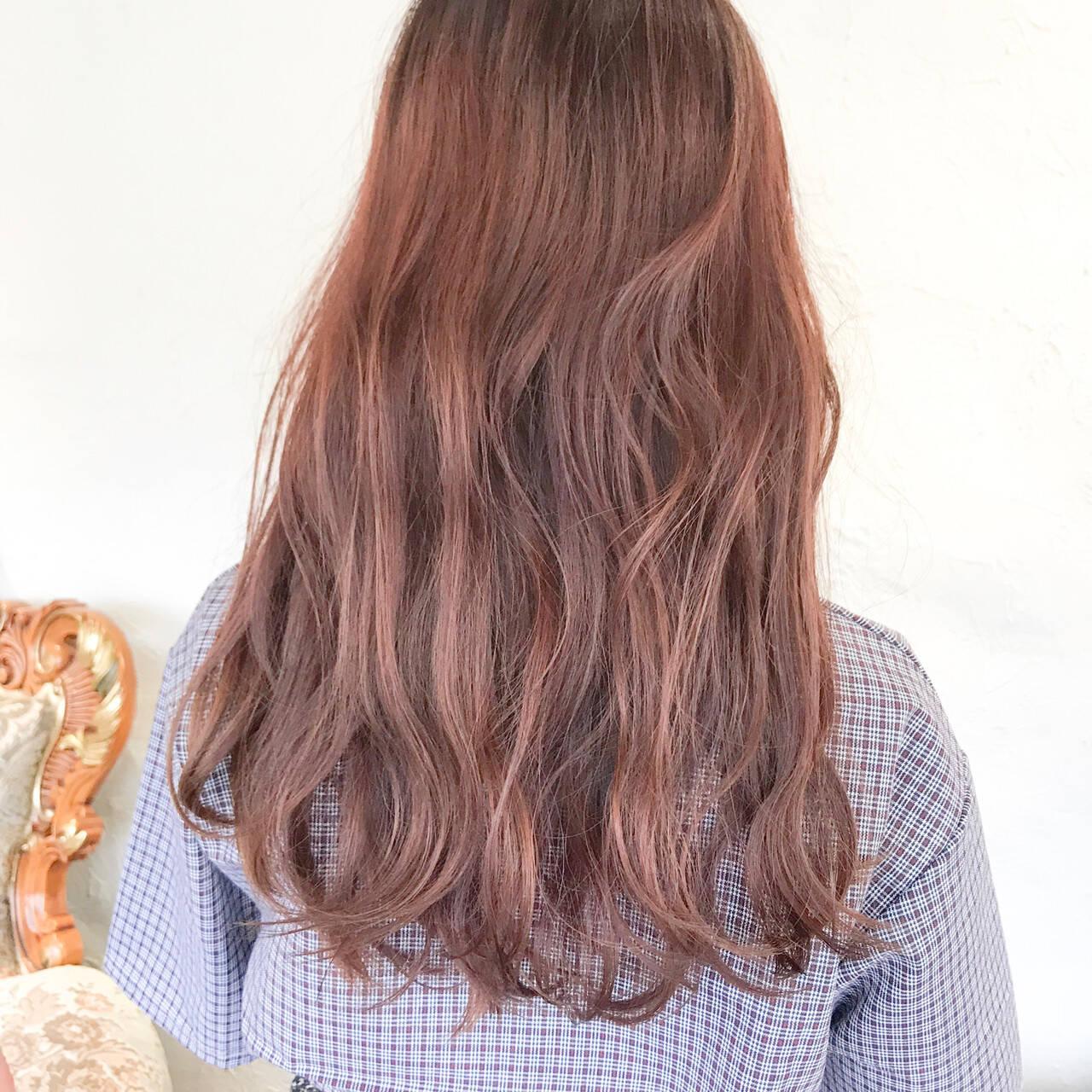 ロング ピンクブラウン ピンクバイオレット ラズベリーピンクヘアスタイルや髪型の写真・画像