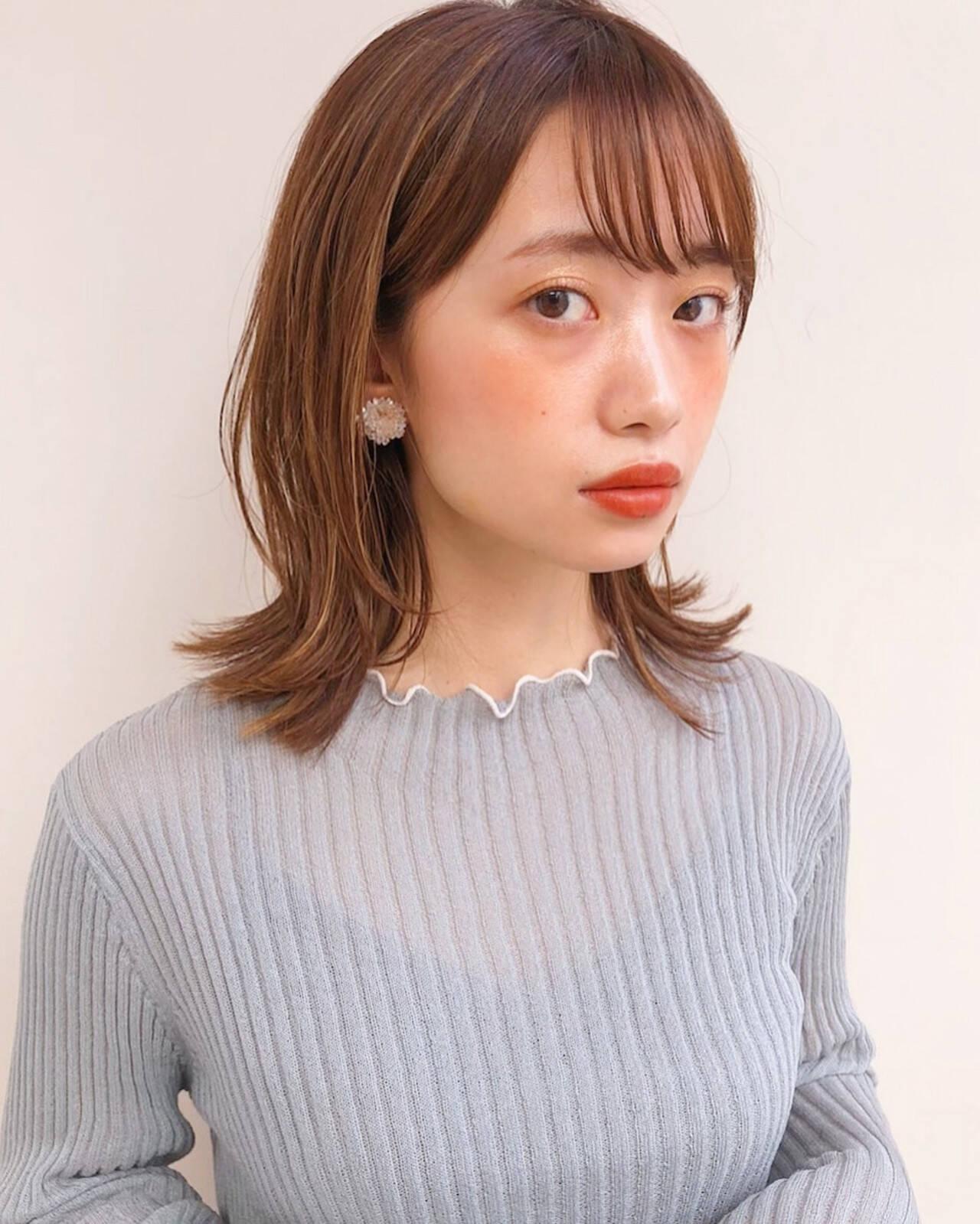 アンニュイほつれヘア レイヤーカット 外ハネ ミディアムヘアスタイルや髪型の写真・画像