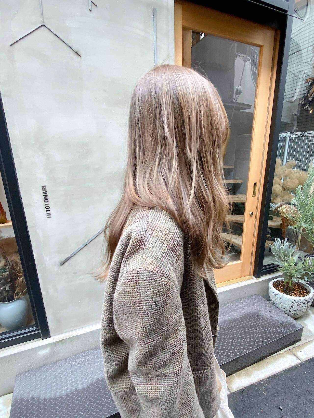 透明感 くすみベージュ アンニュイほつれヘア 透明感カラーヘアスタイルや髪型の写真・画像