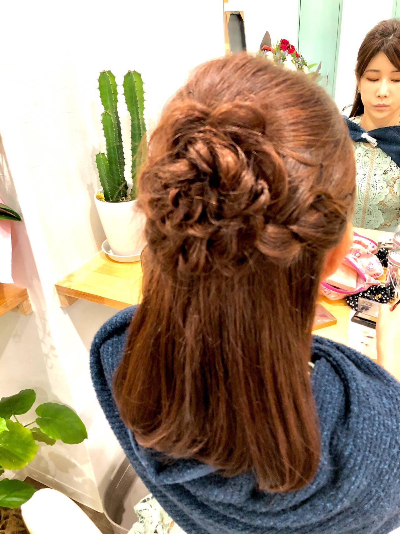 ハーフアップ 編み込み フェミニン ヘアアレンジヘアスタイルや髪型の写真・画像