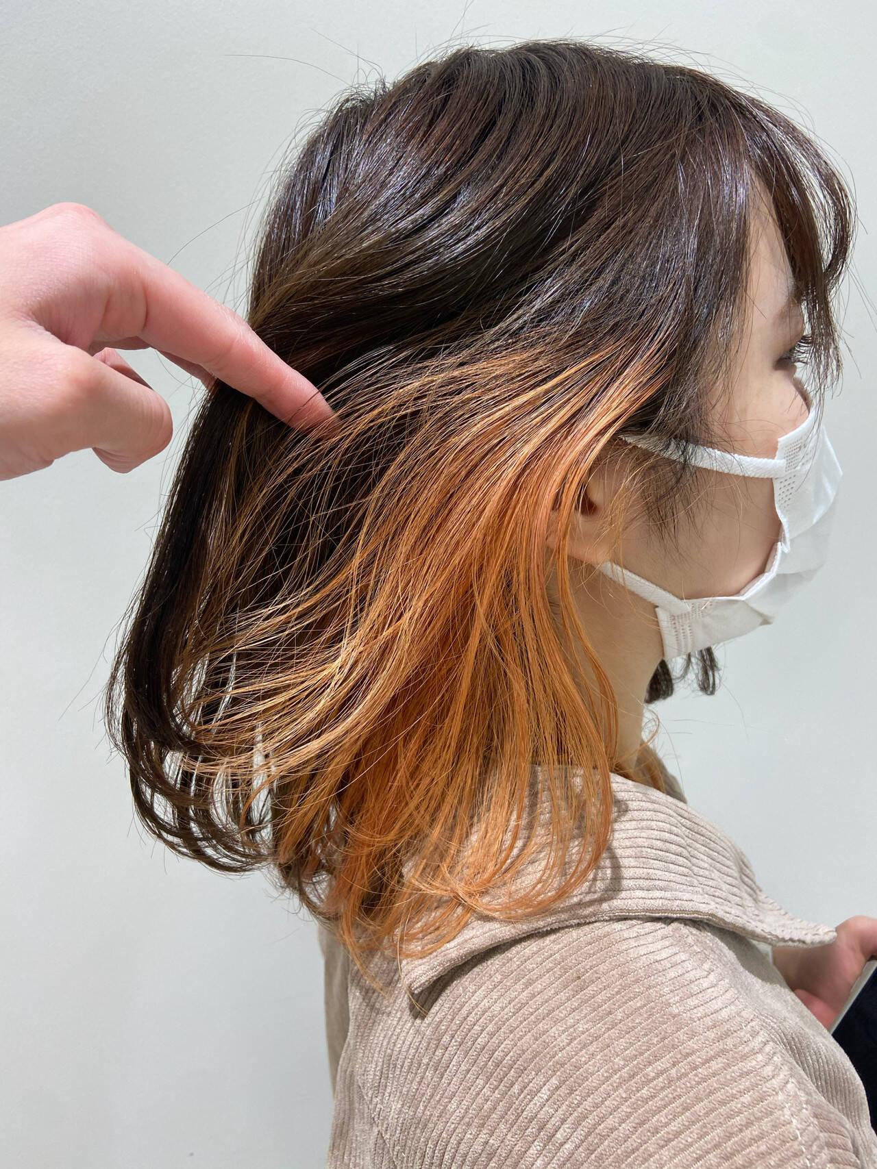 オレンジ アプリコットオレンジ オレンジカラー セミロングヘアスタイルや髪型の写真・画像