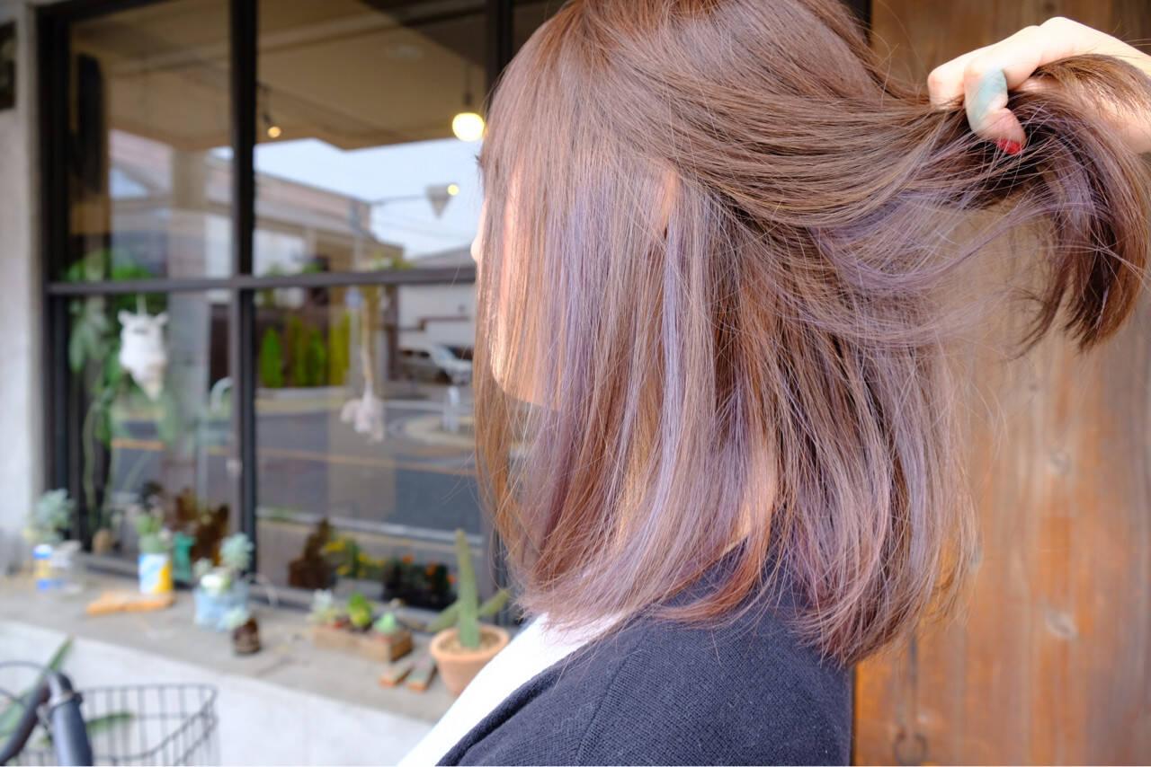 ボブ インナーカラー ブリーチ 外国人風ヘアスタイルや髪型の写真・画像
