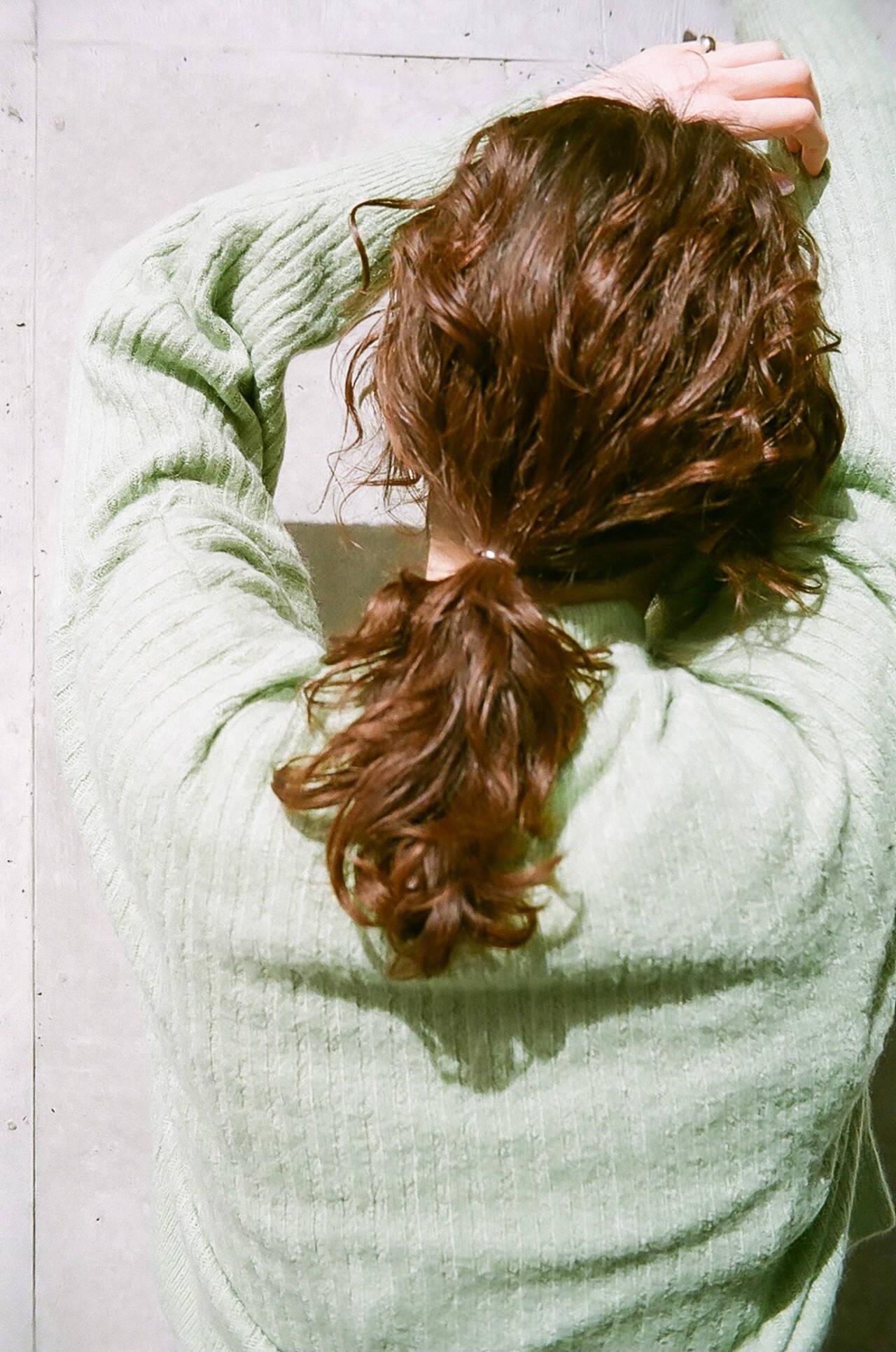 ミディアム レイヤーカット ナチュラル 簡単ヘアアレンジヘアスタイルや髪型の写真・画像