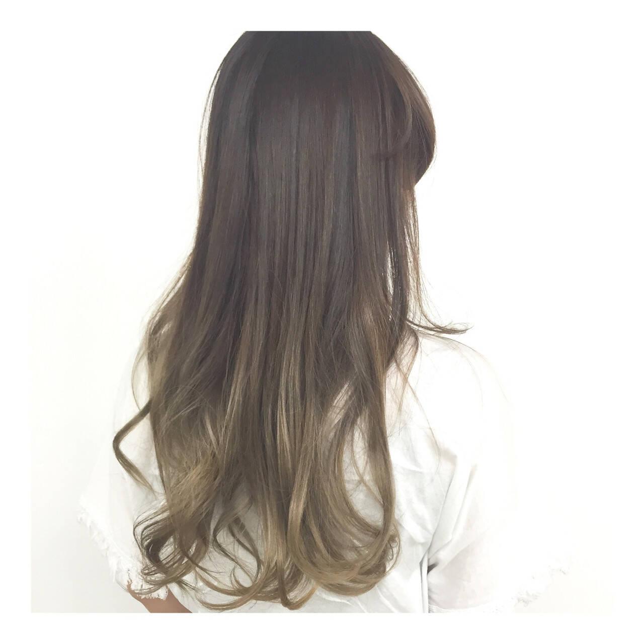 ハイトーン デザインカラー フェミニン 外国人風ヘアスタイルや髪型の写真・画像