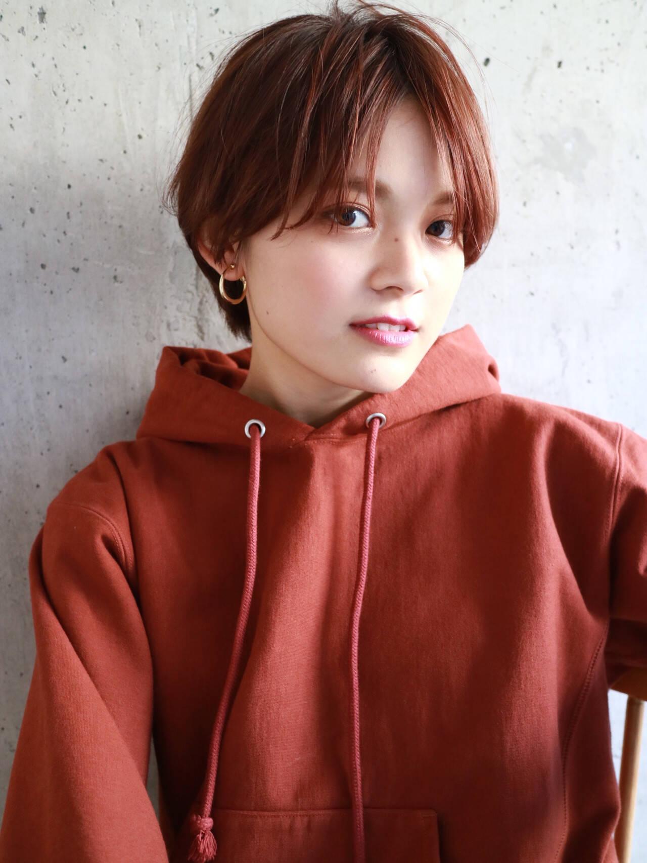 オレンジ スポーツ アンニュイほつれヘア 暖色系グレージュヘアスタイルや髪型の写真・画像