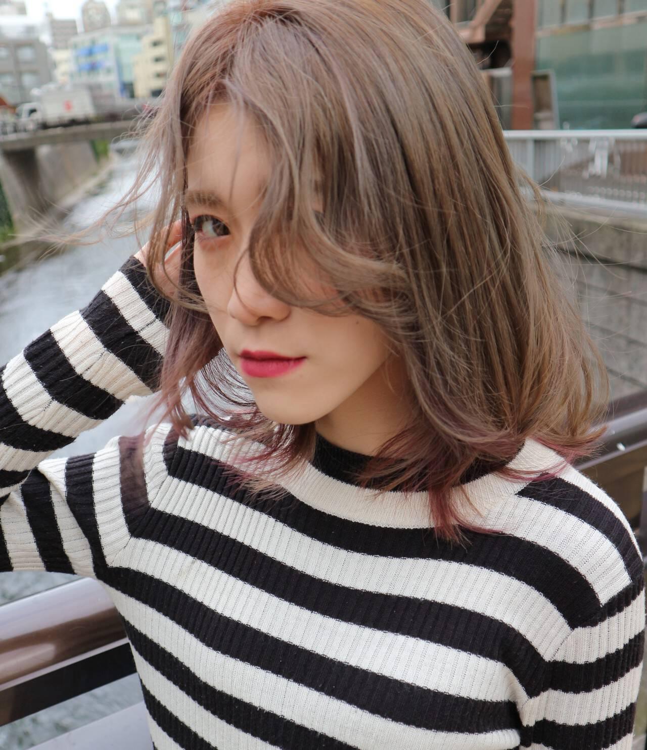 モード ミディアム インナーカラーヘアスタイルや髪型の写真・画像
