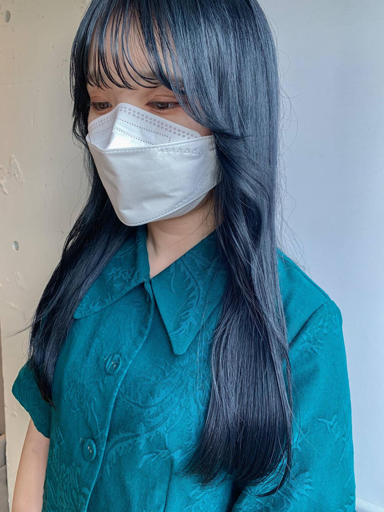 ナチュラル ロング ブルー ブルーブラックヘアスタイルや髪型の写真・画像