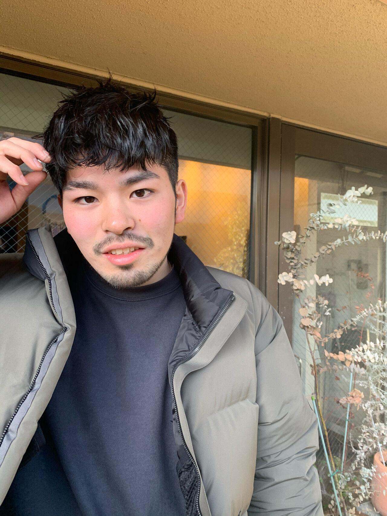 メンズカット メンズパーマ メンズスタイル ナチュラルヘアスタイルや髪型の写真・画像