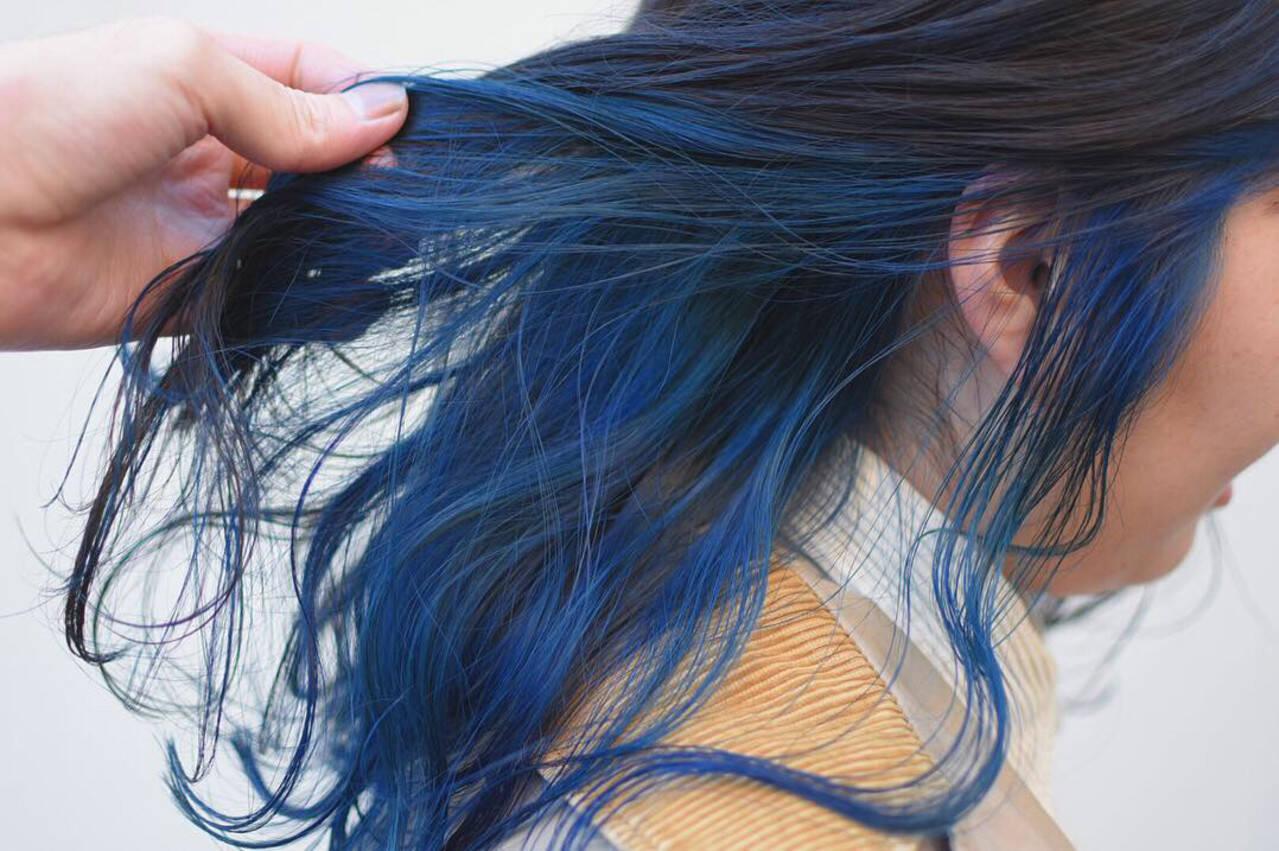 ダブルカラー デザインカラー セミロング ヘアアレンジヘアスタイルや髪型の写真・画像
