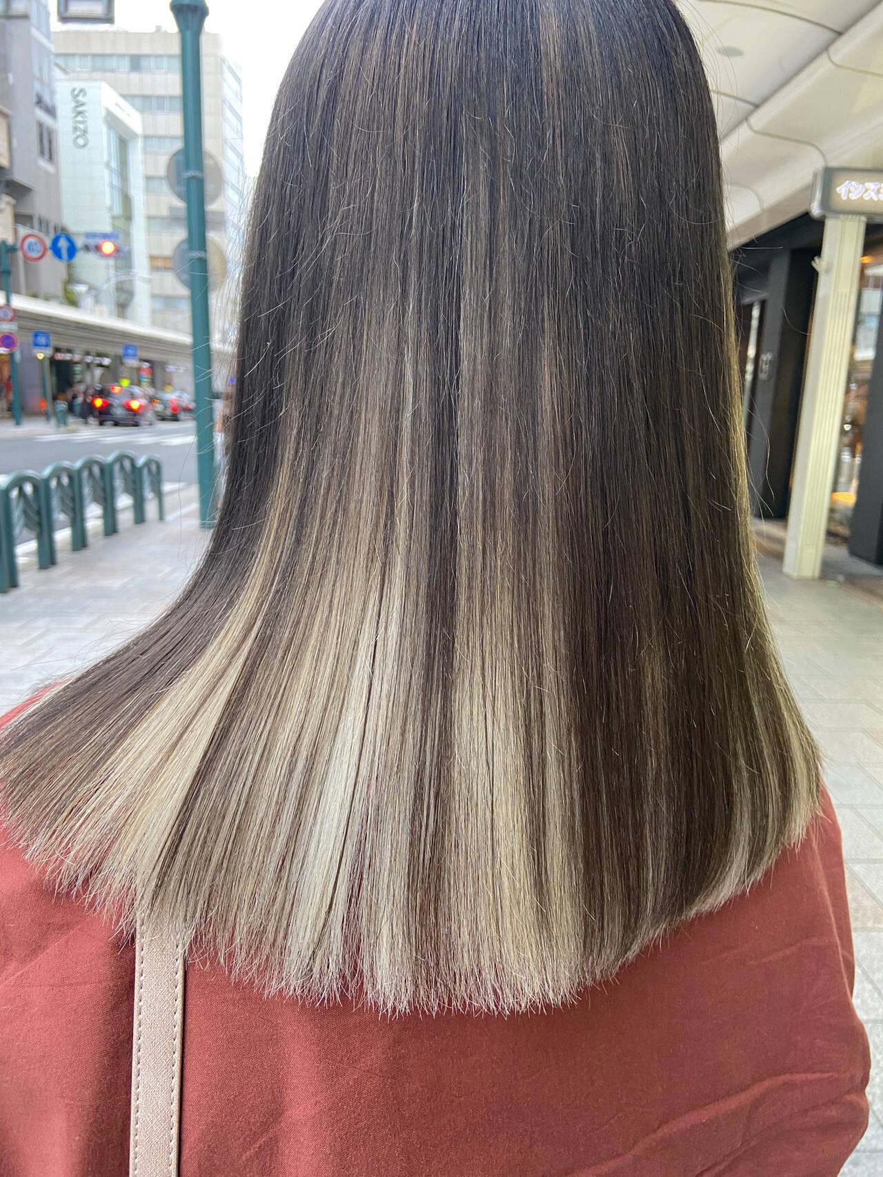 ブリーチ ミディアム ホワイトブリーチ ブリーチカラーヘアスタイルや髪型の写真・画像
