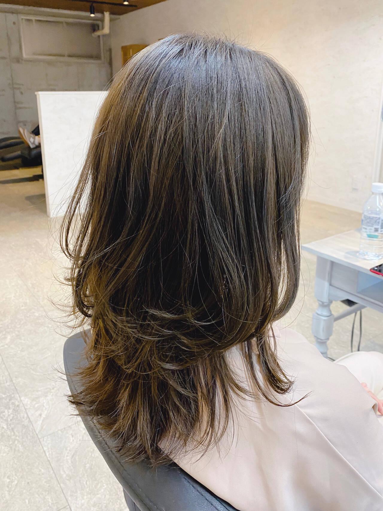 ロング ナチュラル レイヤーカット 大人かわいいヘアスタイルや髪型の写真・画像