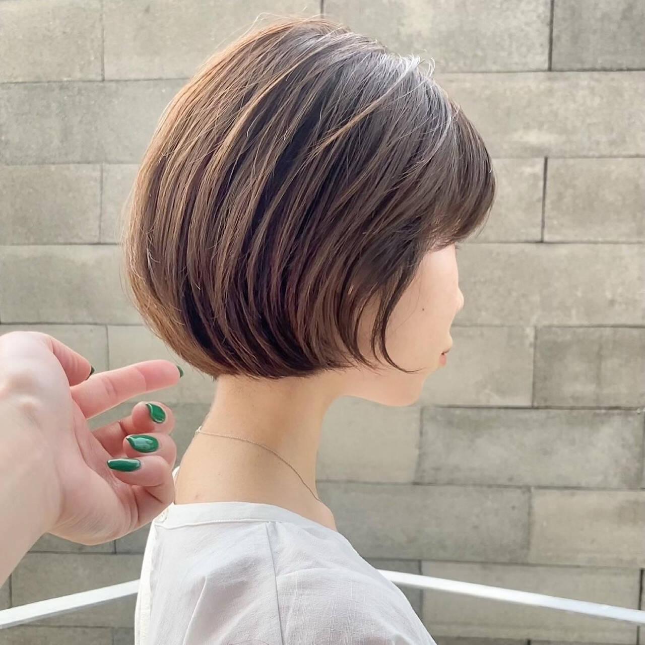 ミニボブ ショートボブ ミルクティーベージュ ボブヘアスタイルや髪型の写真・画像
