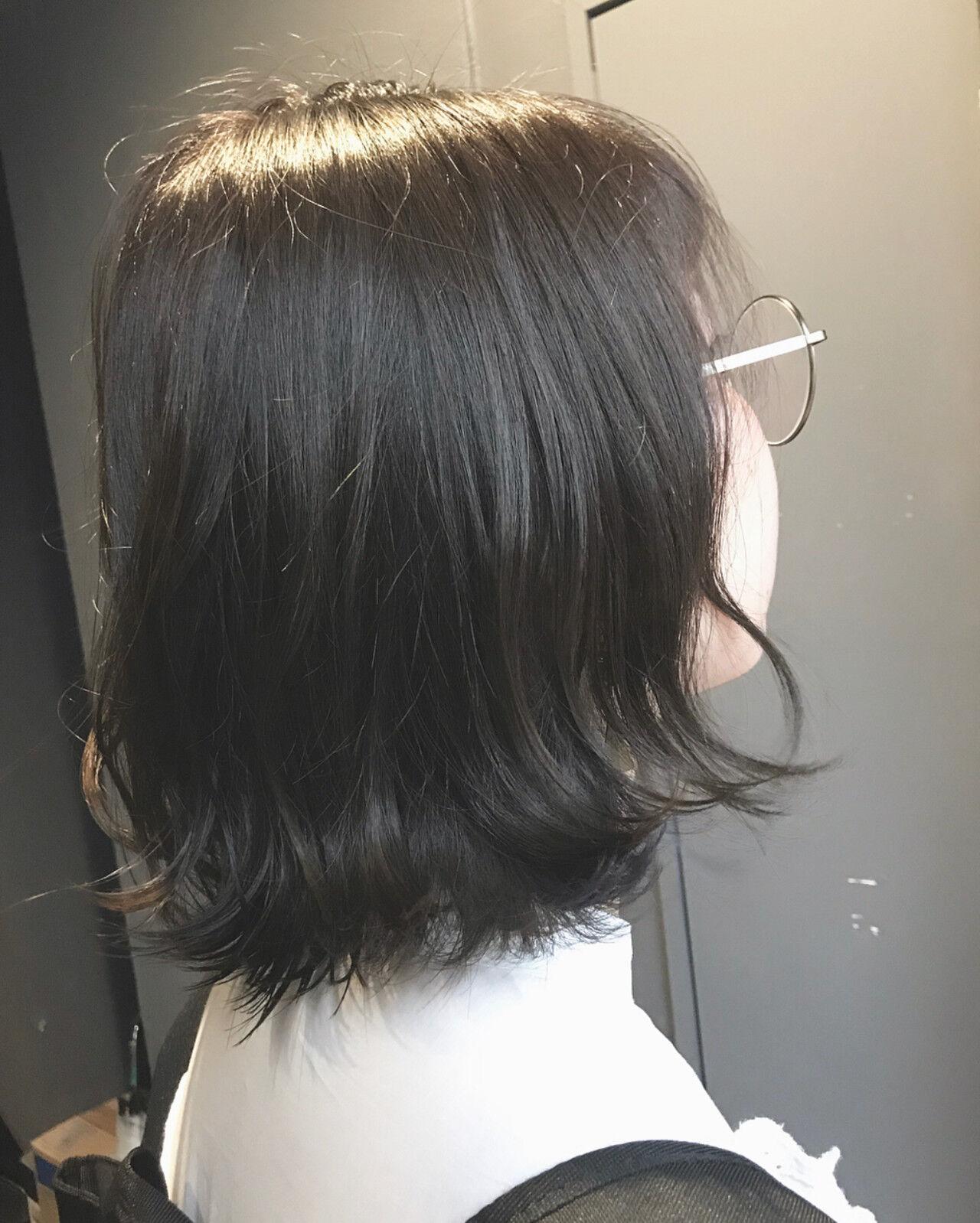 インナーカラーシルバー ボブ ナチュラル oggiottoヘアスタイルや髪型の写真・画像