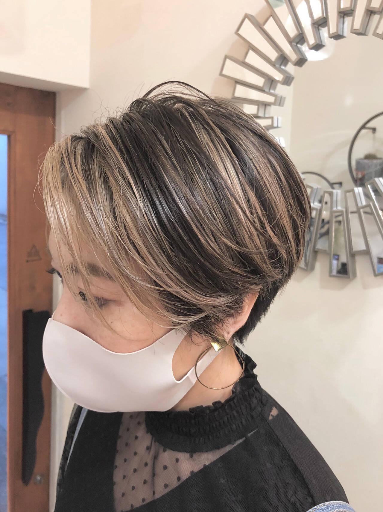 インナーカラー ショートヘア ハイライト ショートヘアスタイルや髪型の写真・画像