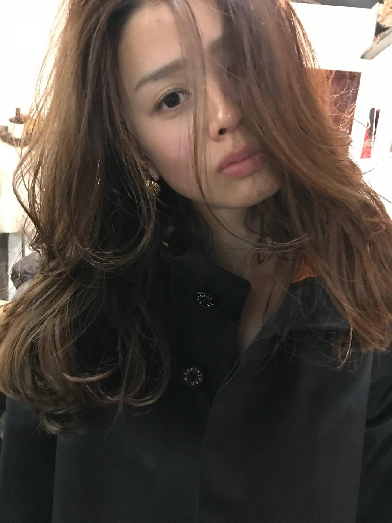 レイヤーロングヘア ナチュラル 大人可愛い ロングヘアスタイルや髪型の写真・画像