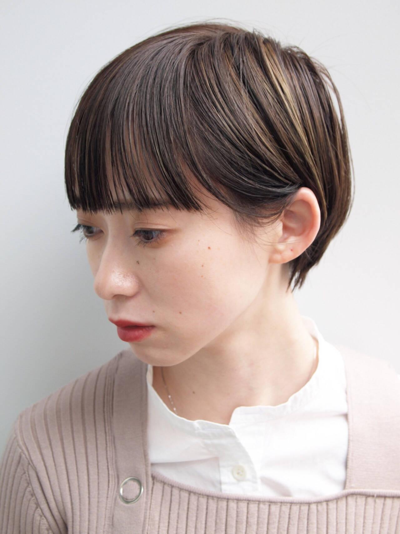 前髪パッツン ショートヘア ハイライト ショートヘアスタイルや髪型の写真・画像