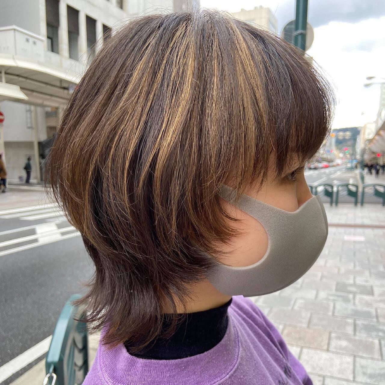 インナーカラー ナチュラルウルフ ウルフカット ニュアンスウルフヘアスタイルや髪型の写真・画像