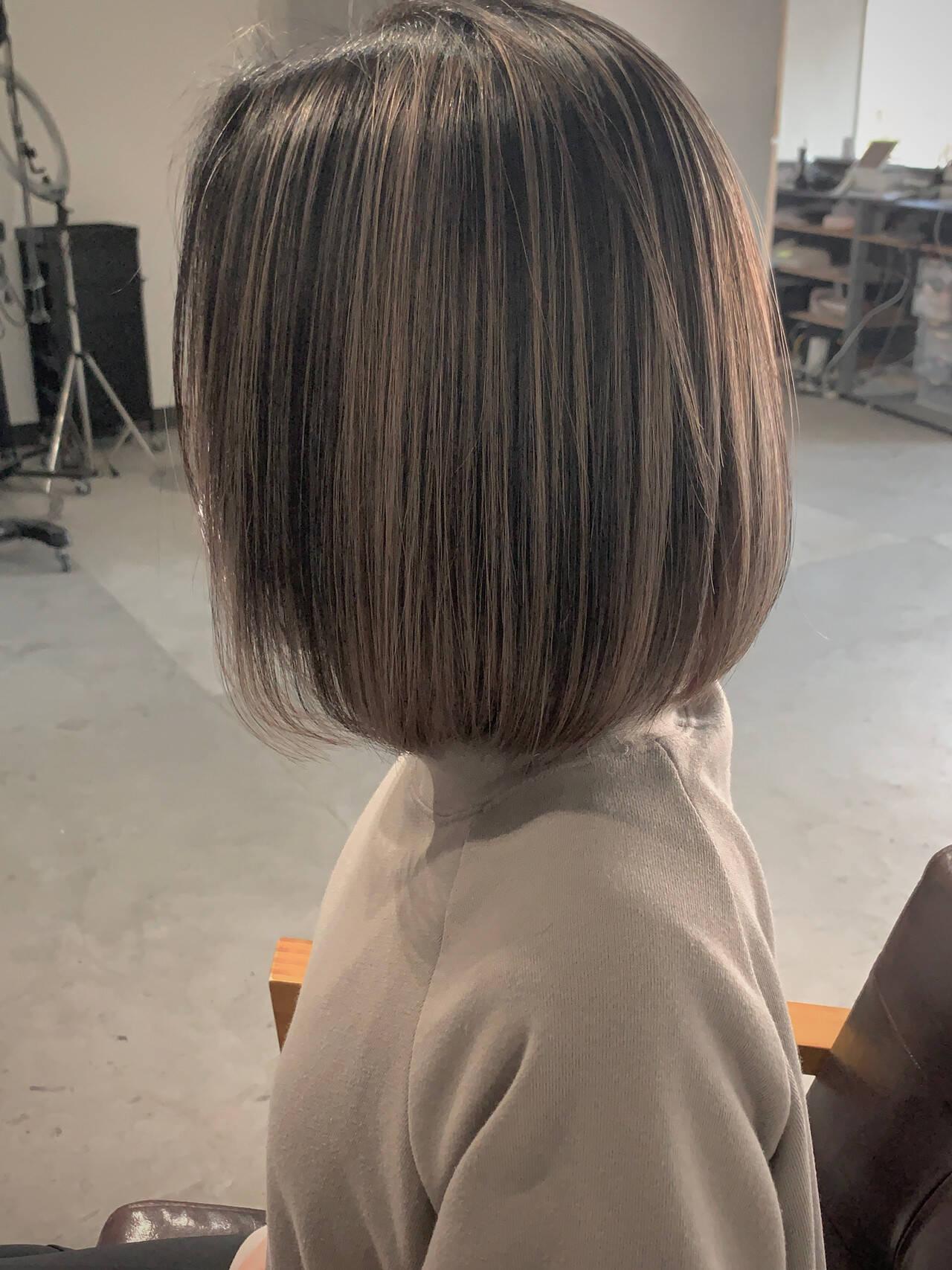 バレイヤージュ 透明感カラー エアータッチ ボブヘアスタイルや髪型の写真・画像