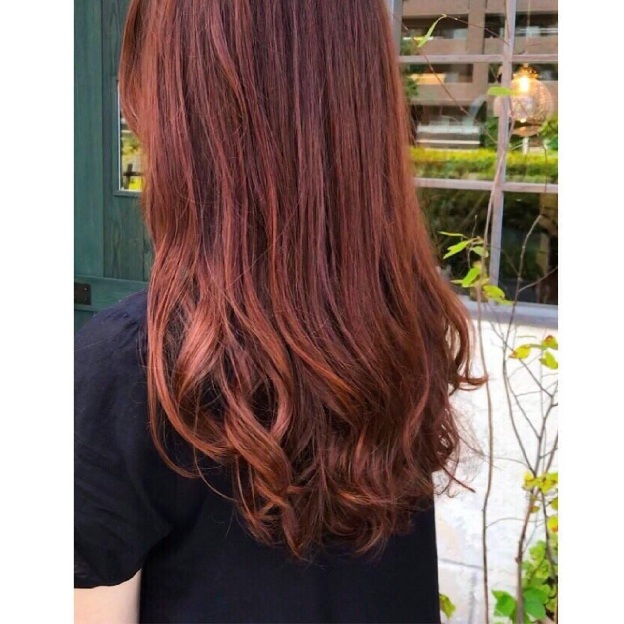 レッド ロング ナチュラル オレンジヘアスタイルや髪型の写真・画像