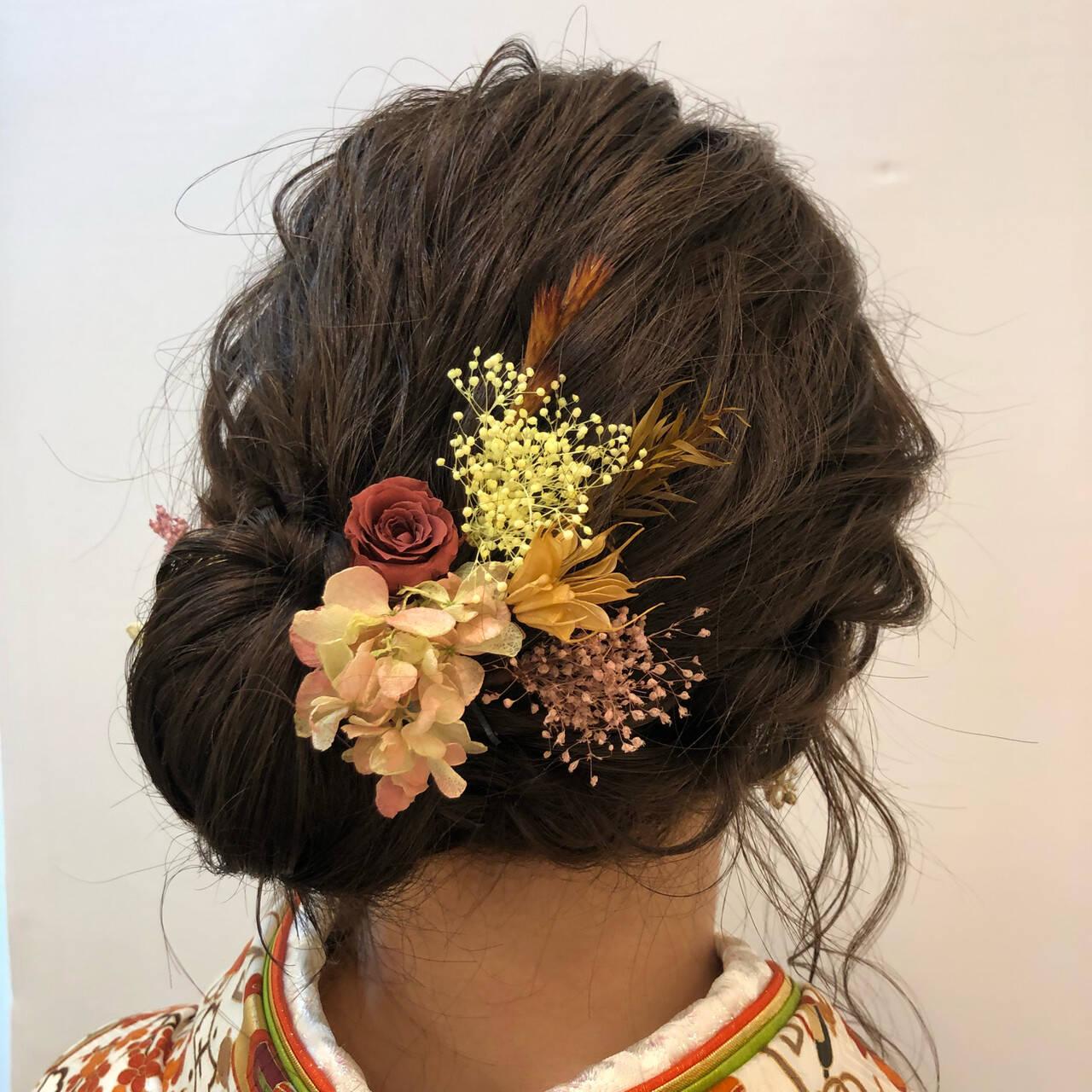 アッシュベージュ ヘアアレンジ ロング 卒業式ヘアスタイルや髪型の写真・画像