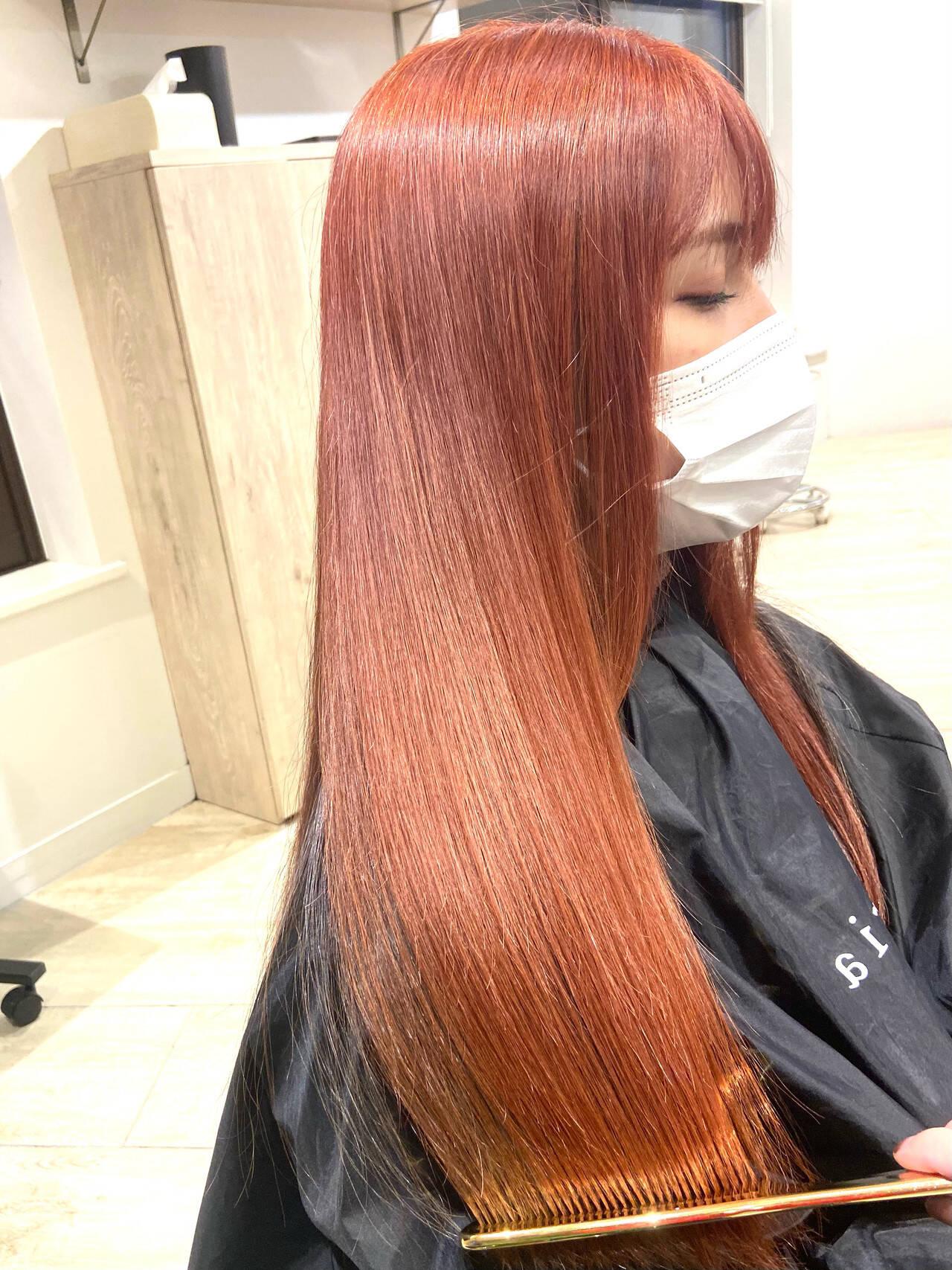 カシスレッド チェリーレッド レッドカラー 髪質改善ヘアスタイルや髪型の写真・画像