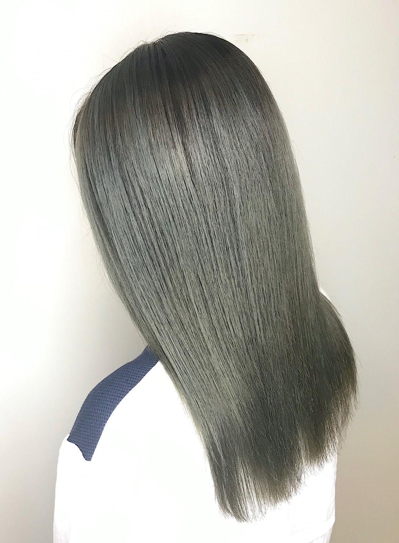 オリーブアッシュ オリーブ ナチュラル 切りっぱなしボブヘアスタイルや髪型の写真・画像