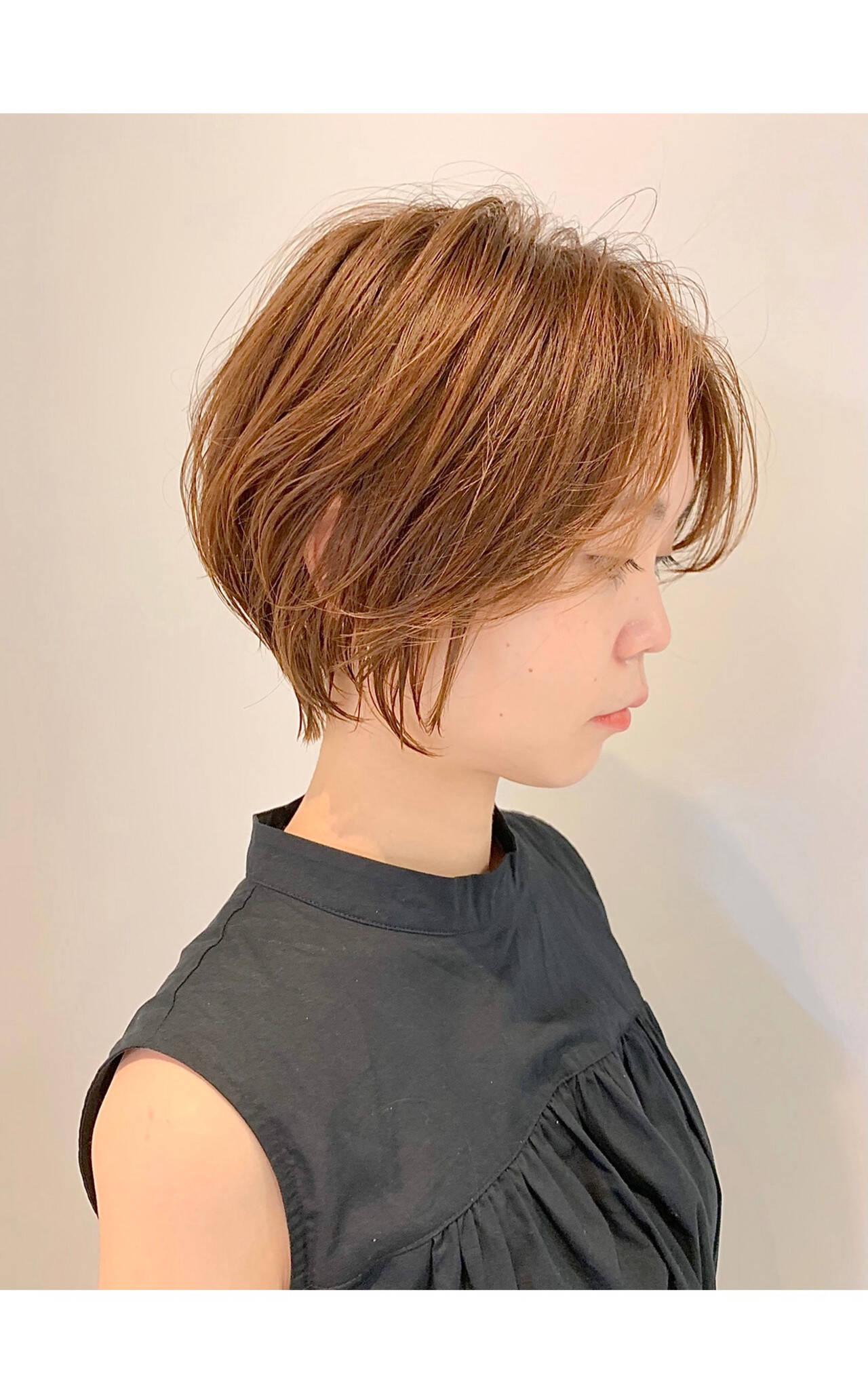 ショートボブ フェミニン ショートヘア ミニボブヘアスタイルや髪型の写真・画像