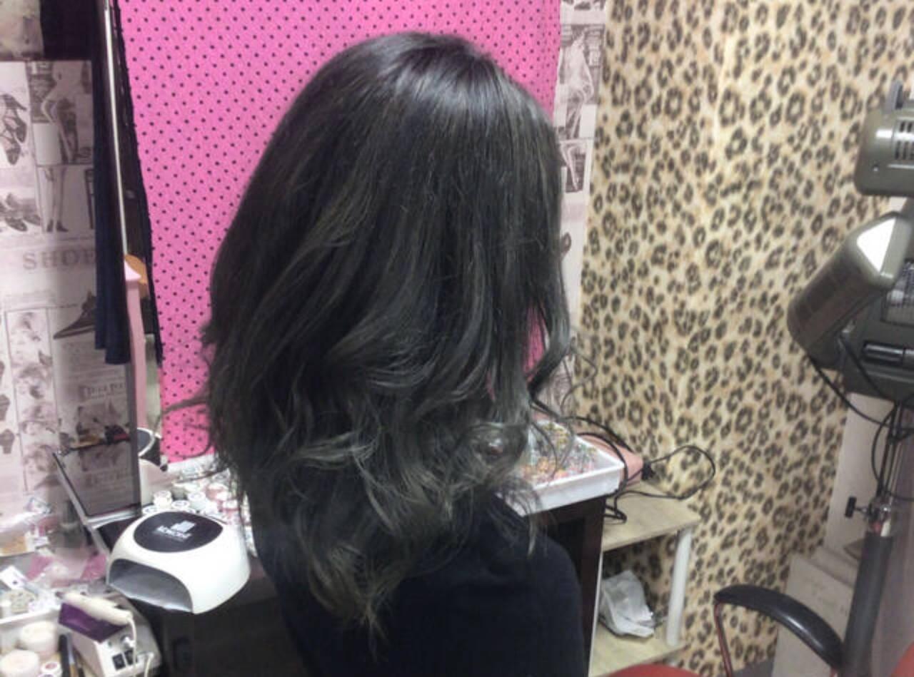モード セミロング グレージュ ラベンダーグレージュヘアスタイルや髪型の写真・画像