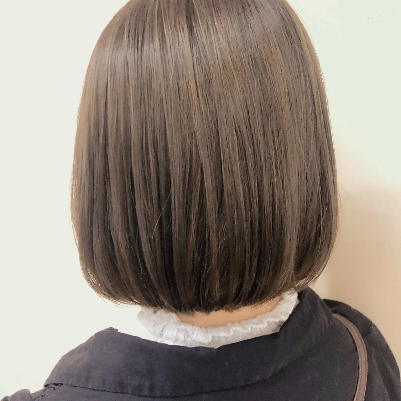 グレージュ ミルクティー ミルクティーベージュ ボブヘアスタイルや髪型の写真・画像