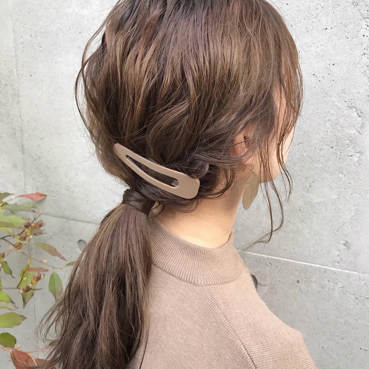 デート セミロング ヘアアレンジ ポニーテールヘアスタイルや髪型の写真・画像