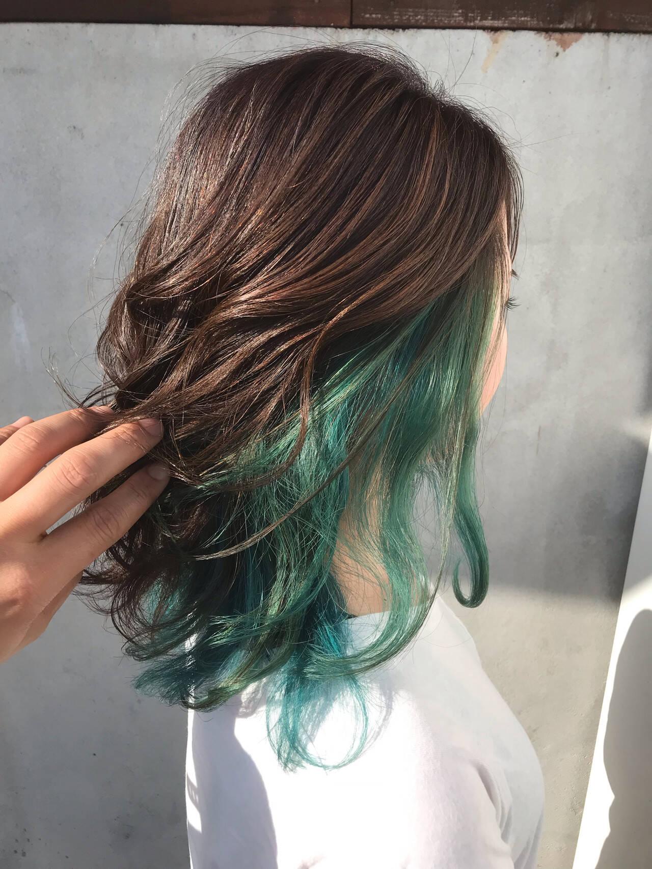 セミロング グリーン エメラルドグリーンカラー ストリートヘアスタイルや髪型の写真・画像