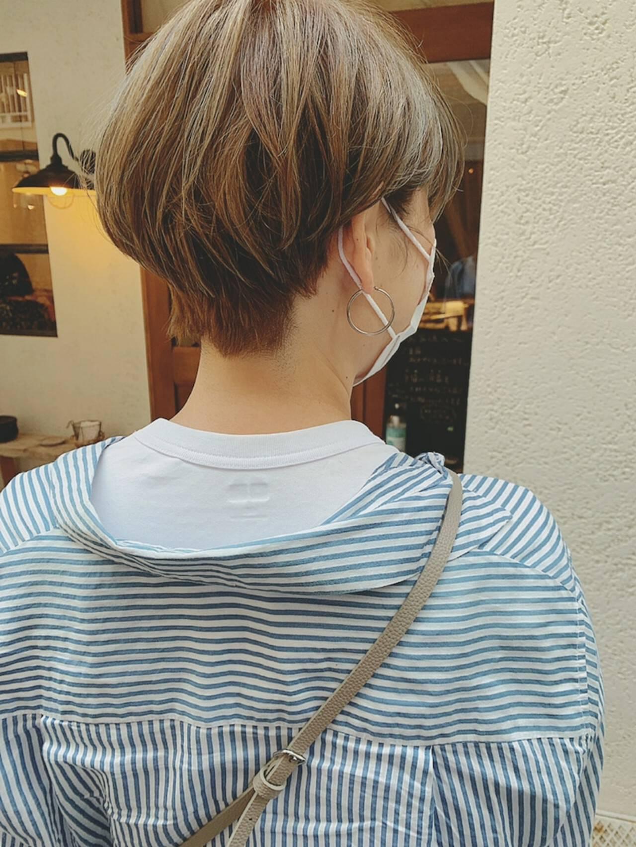 ボーイッシュ 前髪あり ミルクティーグレージュ モードヘアスタイルや髪型の写真・画像