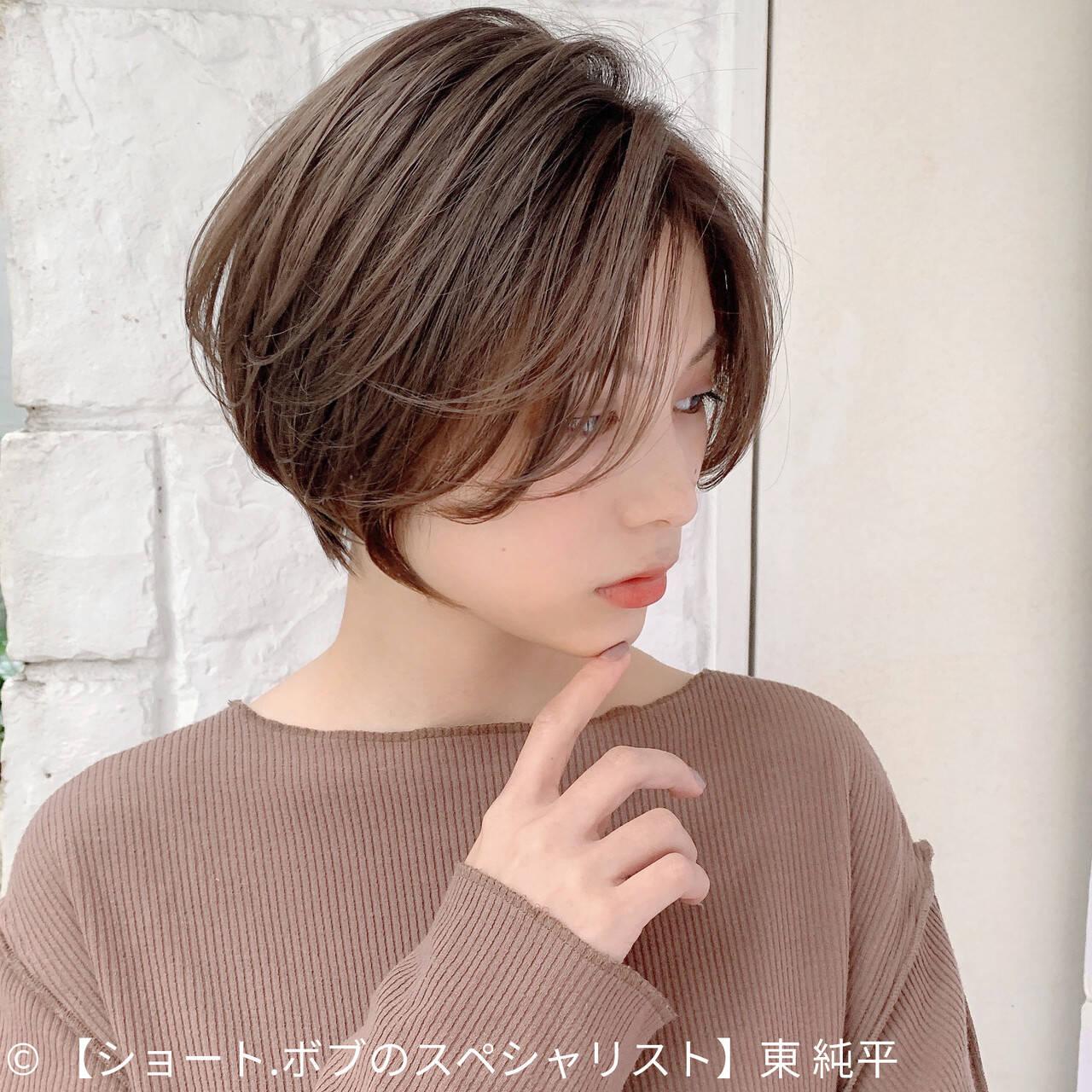 ナチュラル グレージュ ショート ショートヘアヘアスタイルや髪型の写真・画像