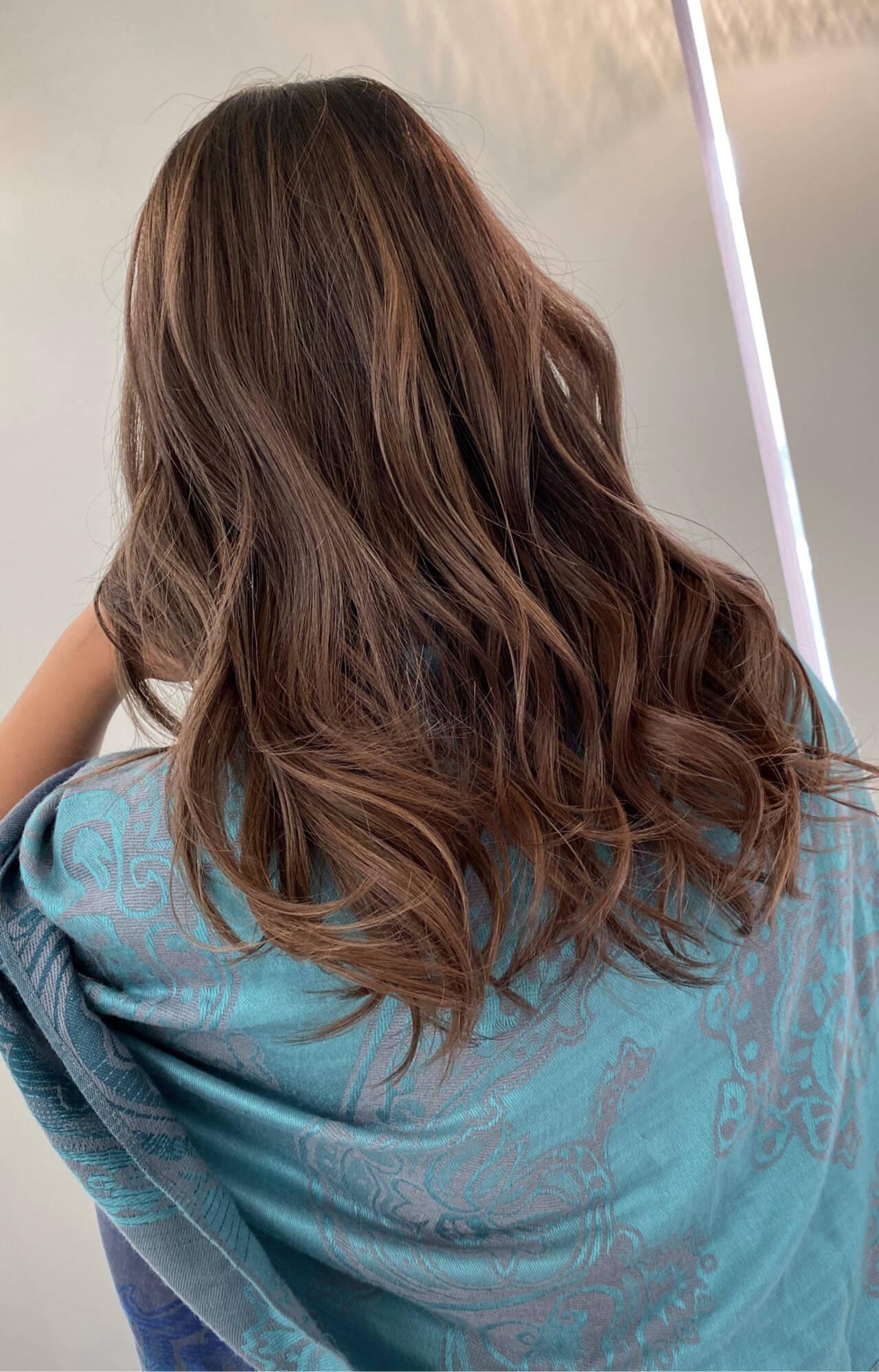 グラデーションカラー ロング エアータッチ バレイヤージュヘアスタイルや髪型の写真・画像