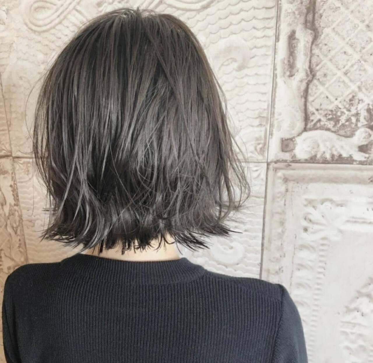 ボブ シルバーグレージュ ショートヘア シルバーグレイヘアスタイルや髪型の写真・画像
