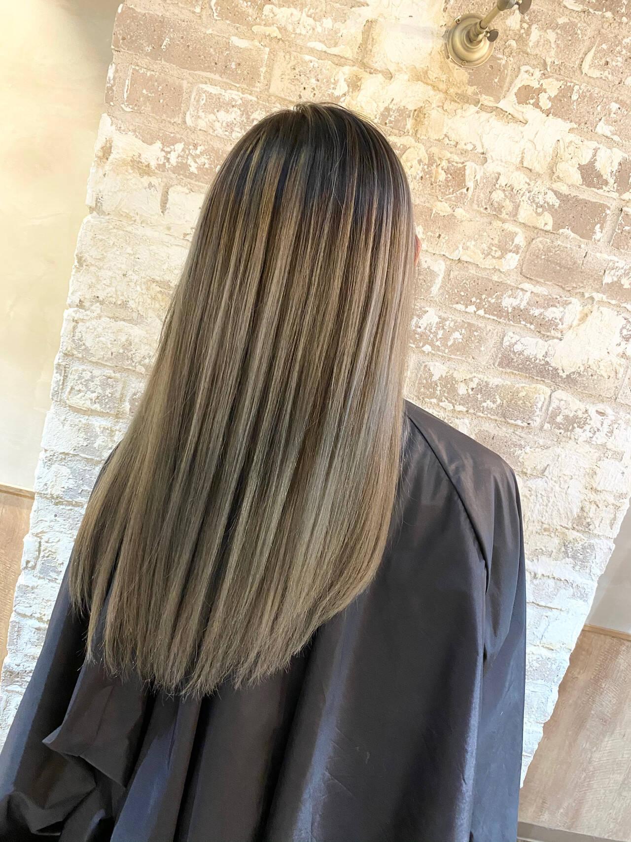 ハイライト バレイヤージュ ロング ブリーチヘアスタイルや髪型の写真・画像