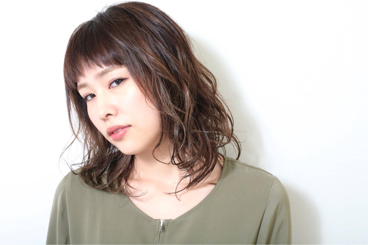 女子力 ウェーブ 外国人風 ハイライトヘアスタイルや髪型の写真・画像