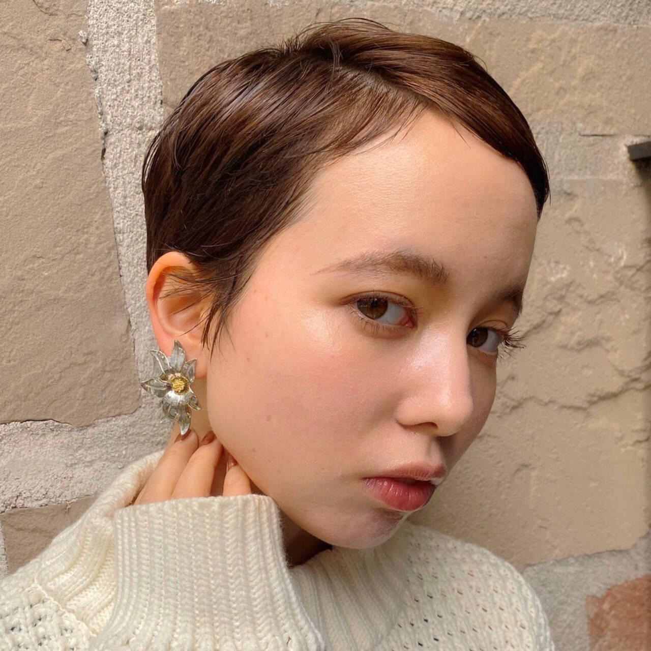 ショート ショートヘア ウルフカット ナチュラルヘアスタイルや髪型の写真・画像