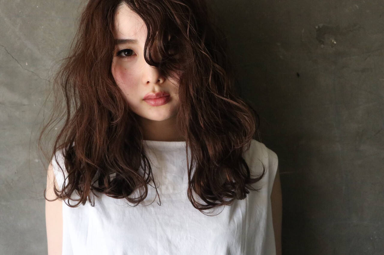 フェミニン 大人ハイライト ハイライト 濡れ髪スタイルヘアスタイルや髪型の写真・画像