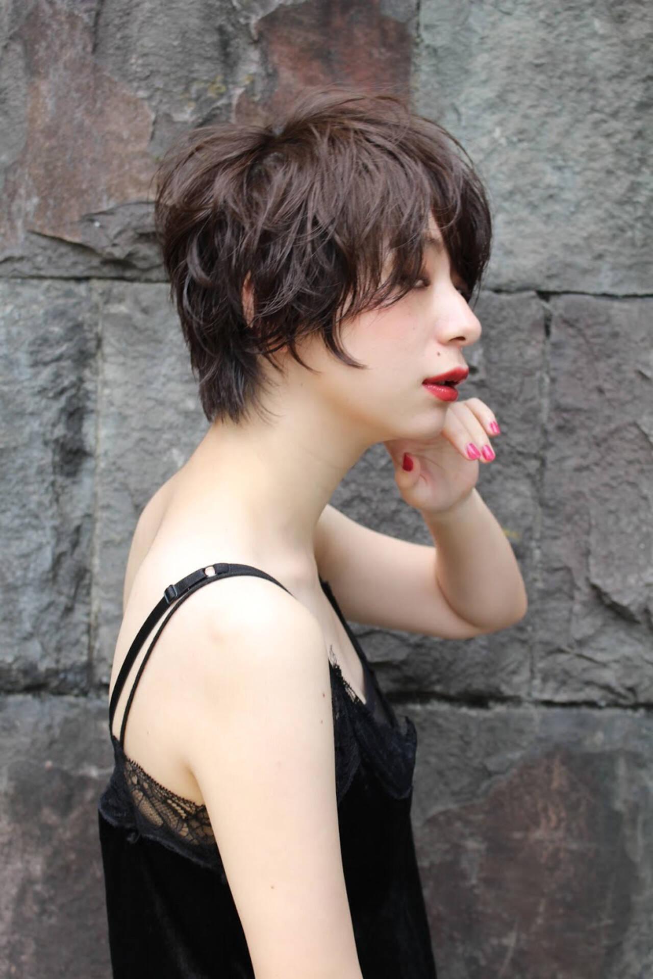 ショート ショートボブ 濡れ髪スタイル ナチュラルヘアスタイルや髪型の写真・画像