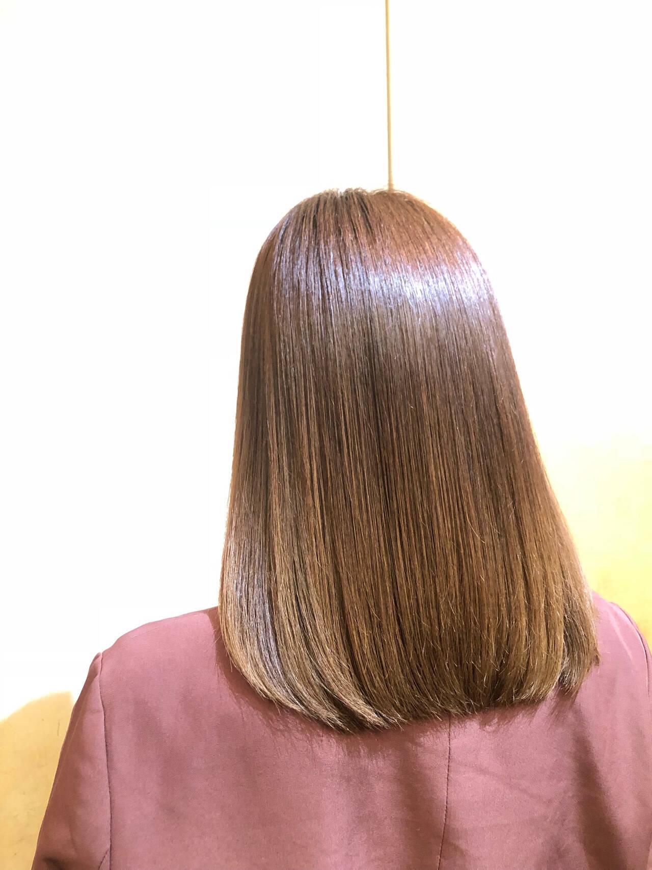 縮毛矯正 髪質改善トリートメント セミロング ナチュラルベージュヘアスタイルや髪型の写真・画像