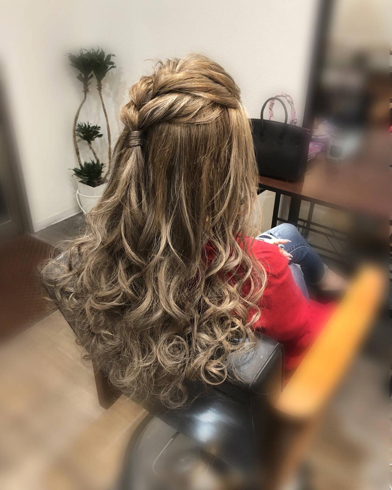 ヘアアレンジ ハーフアップ 前髪アレンジ フェミニンヘアスタイルや髪型の写真・画像
