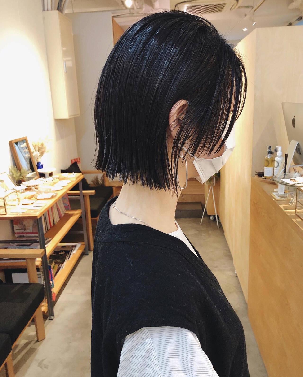 ナチュラル 黒髪 切りっぱなしボブ ウルフカットヘアスタイルや髪型の写真・画像