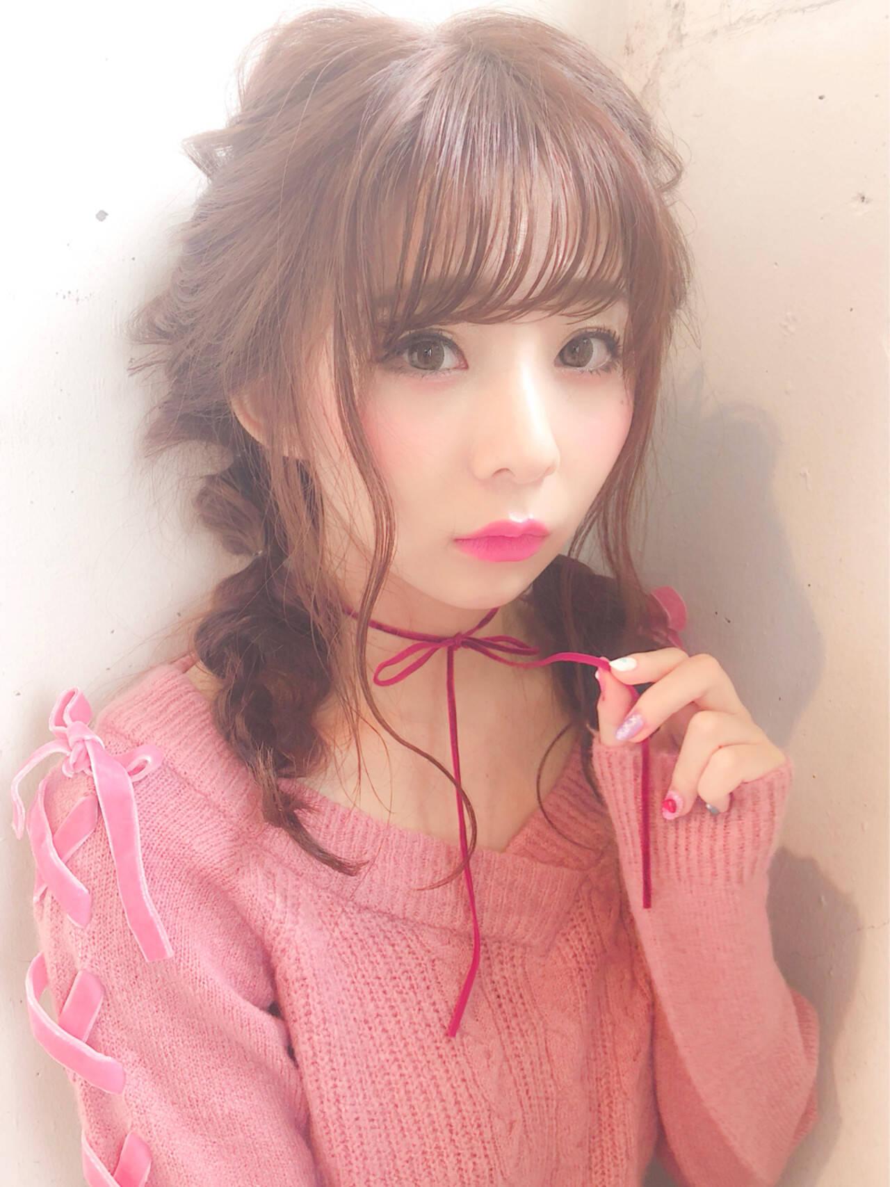 ウェーブ 簡単ヘアアレンジ セミロング ガーリーヘアスタイルや髪型の写真・画像