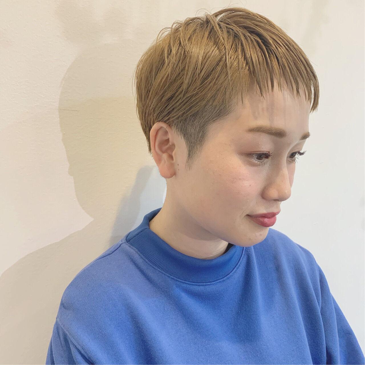 オフィス アウトドア ナチュラル デートヘアスタイルや髪型の写真・画像