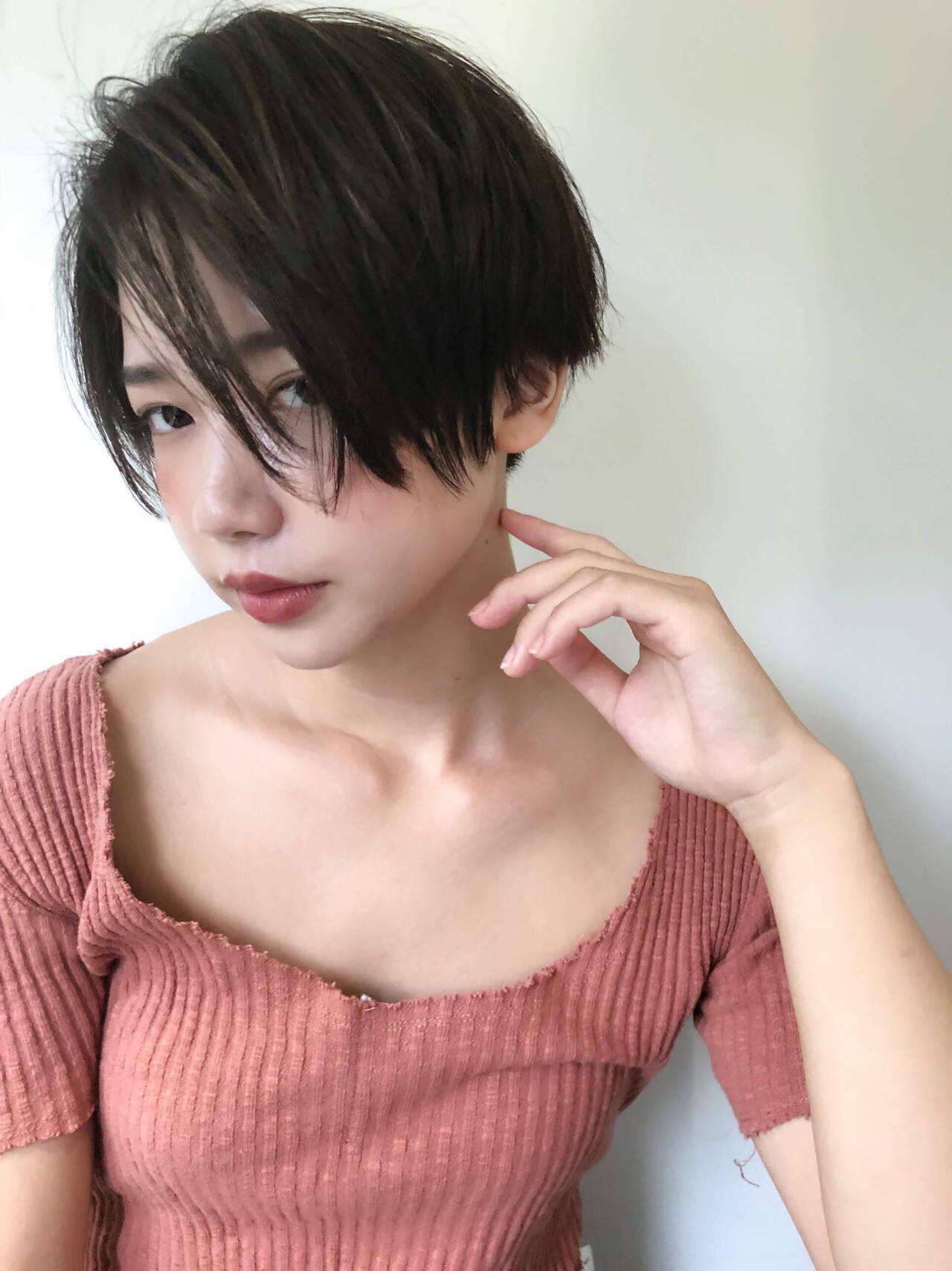 ショートカット 前下がりショート 透け感 アンニュイヘアスタイルや髪型の写真・画像