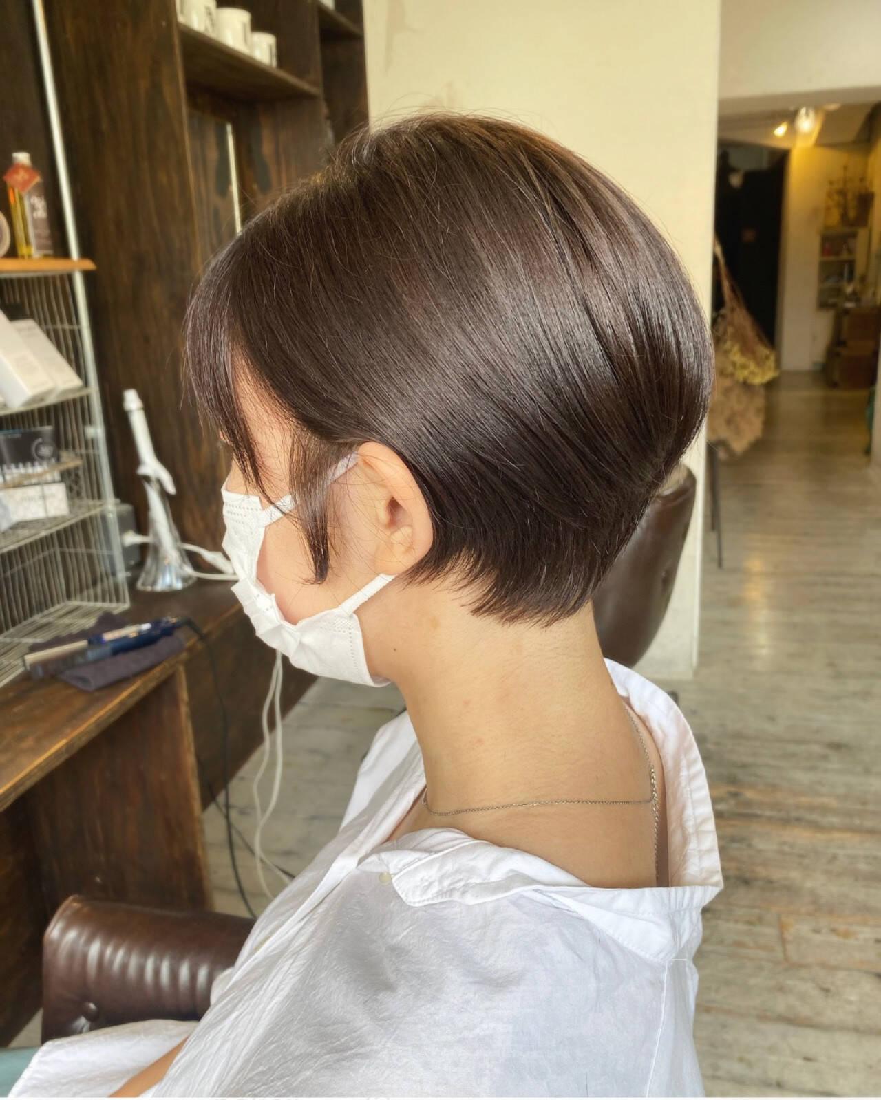 ショートヘア 秋冬ショート ミルクティー ミルクティーグレージュヘアスタイルや髪型の写真・画像