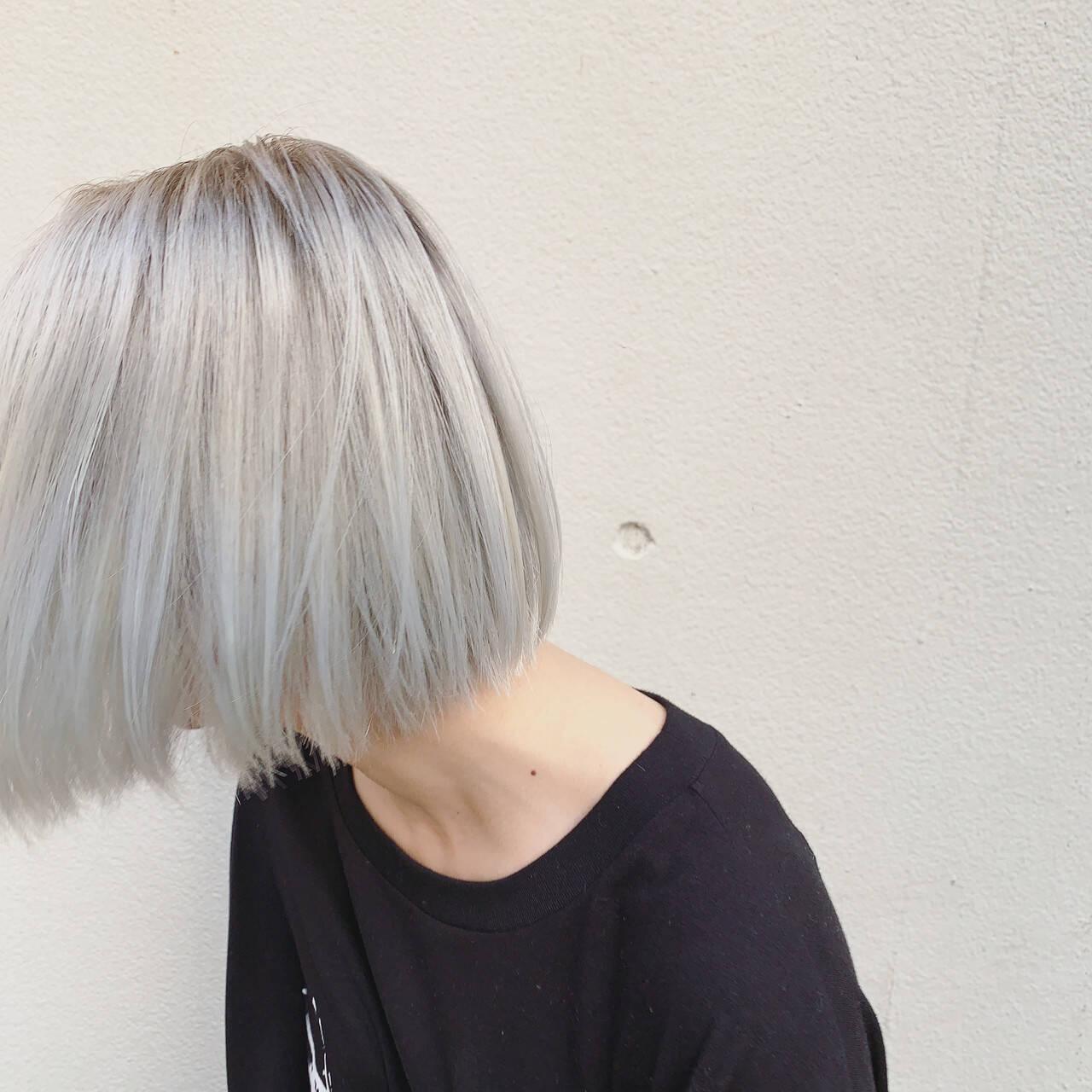 ハイトーン ブリーチ ショートボブ インナーカラーヘアスタイルや髪型の写真・画像