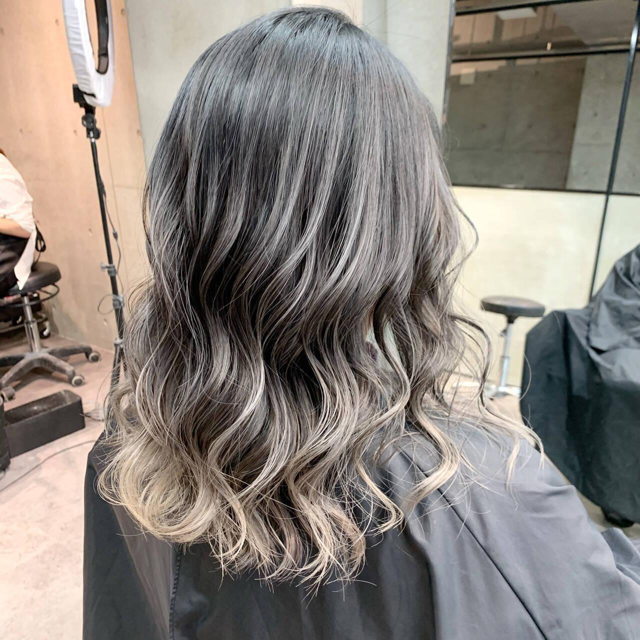 セミロング コントラストハイライト 透明感カラー 秋冬スタイルヘアスタイルや髪型の写真・画像
